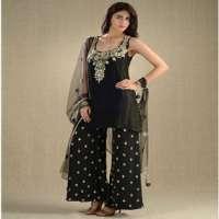 绣花的Anarkali套装 制造商