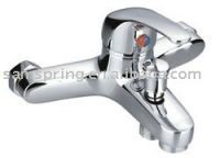 single level bathtub faucet