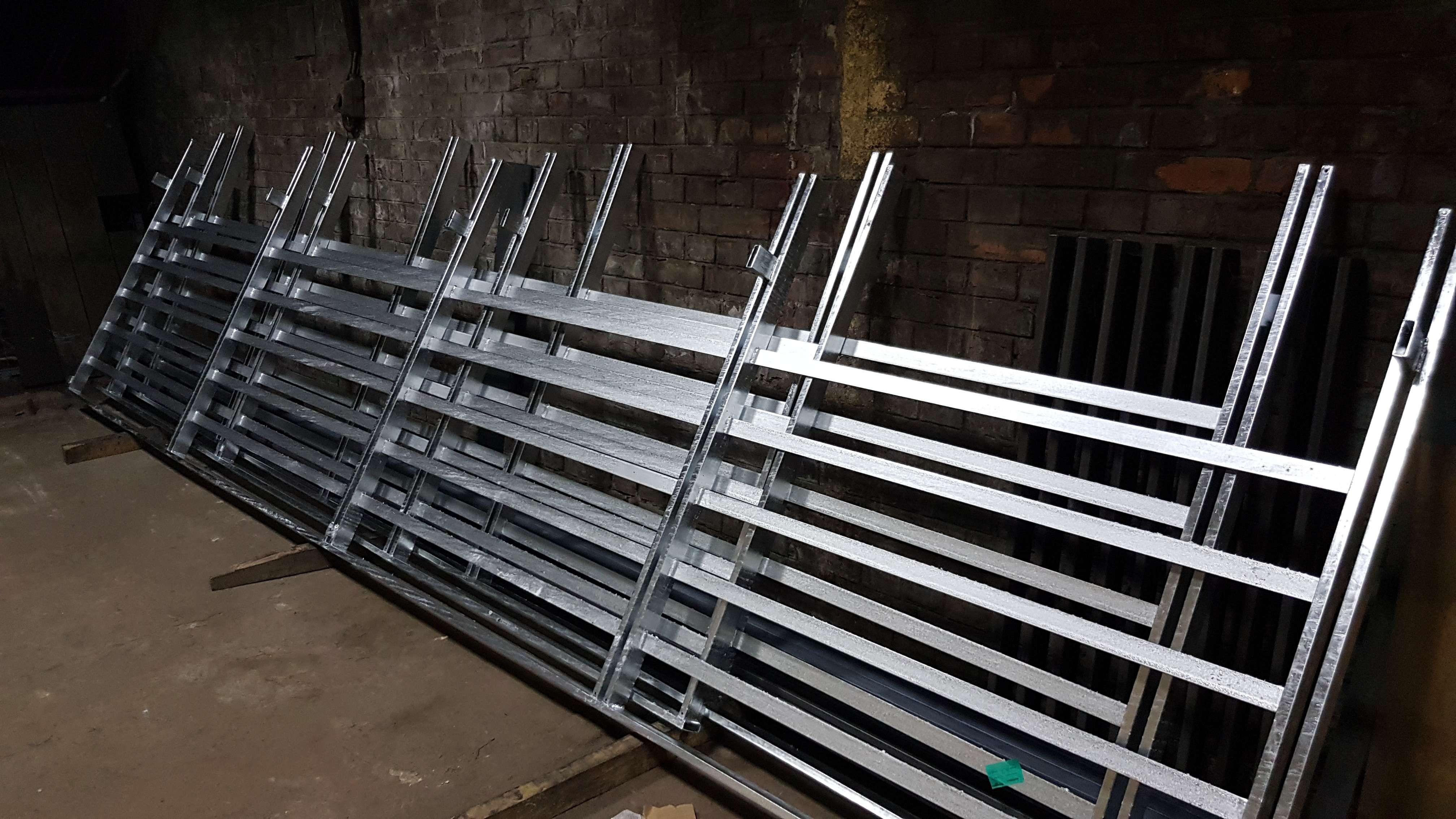 镀锌铁栅栏