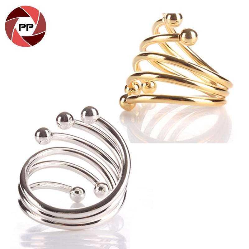 S形金属银色和金色餐巾环
