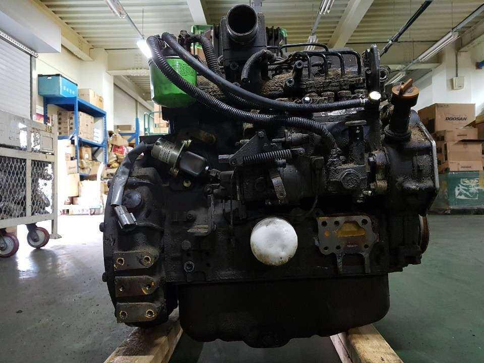 YANMAR 4TNE94使用的柴油发动机