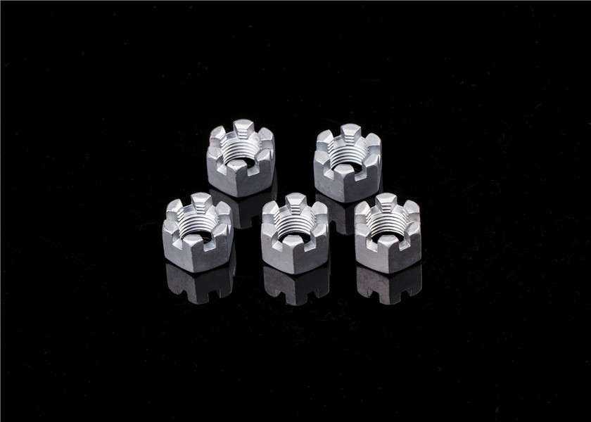 高品质光滑DIN935 M5-M24碳钢开槽螺母