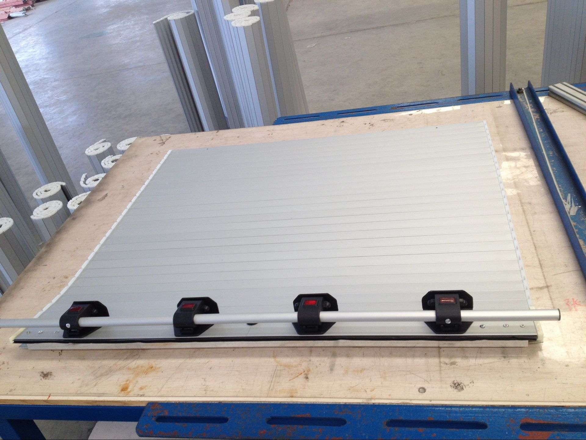 Extruded Double Layer Aluminum Roller Shutter Rollup Door Used For Various Emergency Vehicles